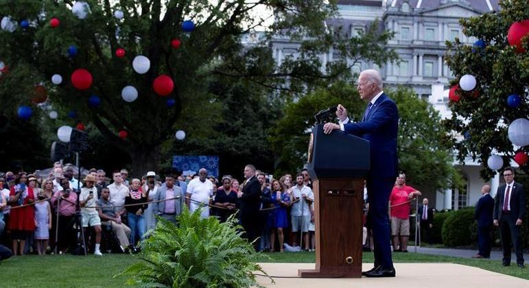 Presidente dos EUA discursou para convidados em um dos jardins da Casa Branca