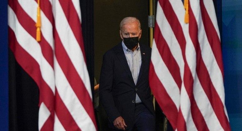 Joe Biden pede bilhões de dólares ao congresso dos Estados Unidos