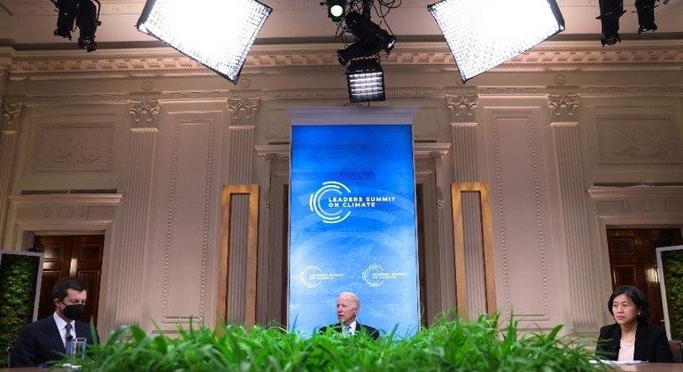 Da Casa Branca, Biden participa da cúpula climática nesta sexta