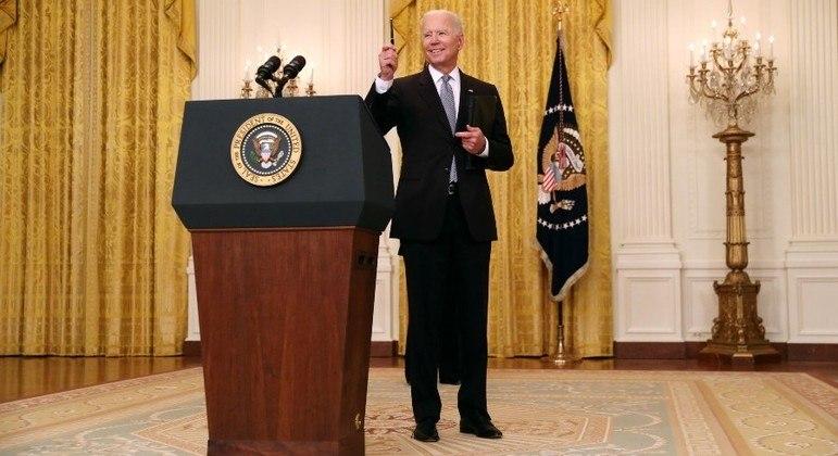 Biden confirmou o envio de 80 milhões de doses para outros países