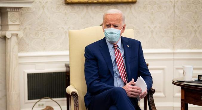 Câmara dos EUA aprova plano de estímulo de Biden