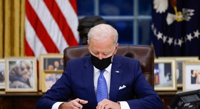Biden assinou  decreto sobre políticas imigratórias nesta terça