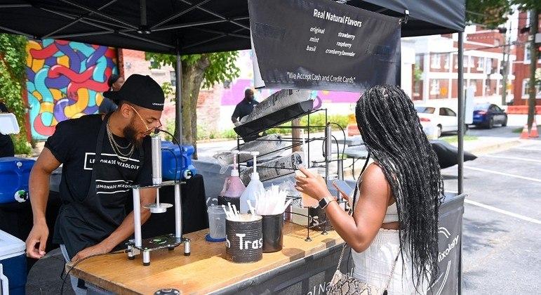 Festival de comida de rua em Atlanta deu início às comemorações do Juneteenth na cidade