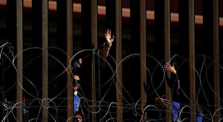 Em algumas partes do mundo, muros dividem países