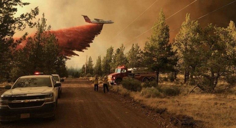 O pior incêndio continua atingindo regiões florestais do Oregon, no noroeste dos EUA