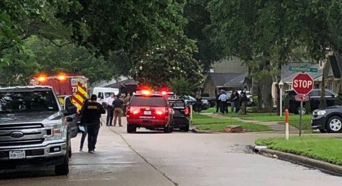 Os imigrantes estavam presos dentro de uma casa em uma zona residencial de Houston