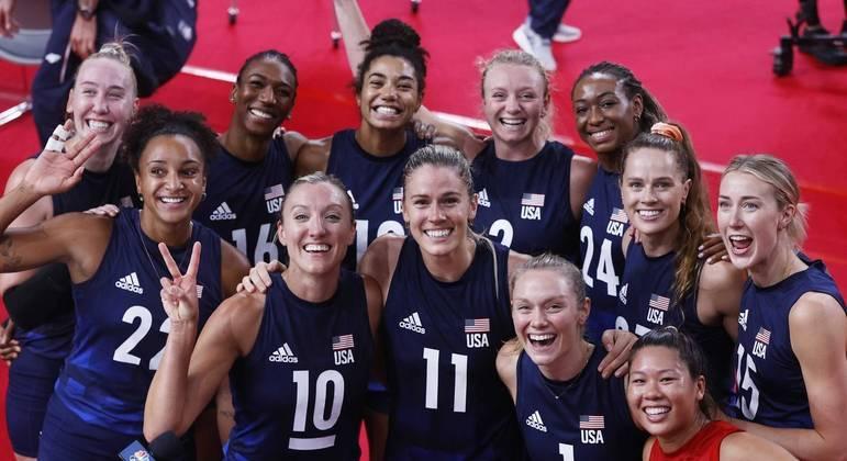 Seleção feminina de vôlei dos Estados Unidos vai em busca da inédita medalha de ouro