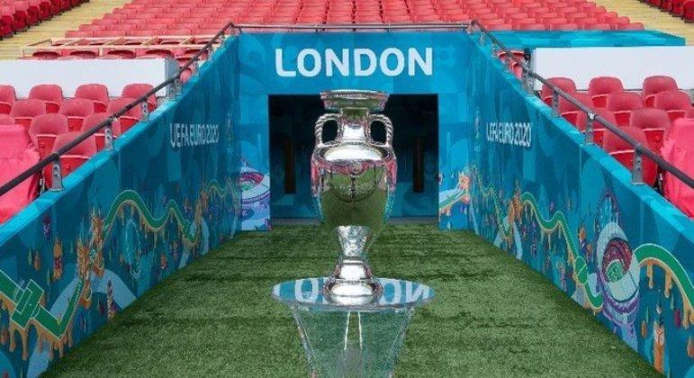 A taça, em Wembley