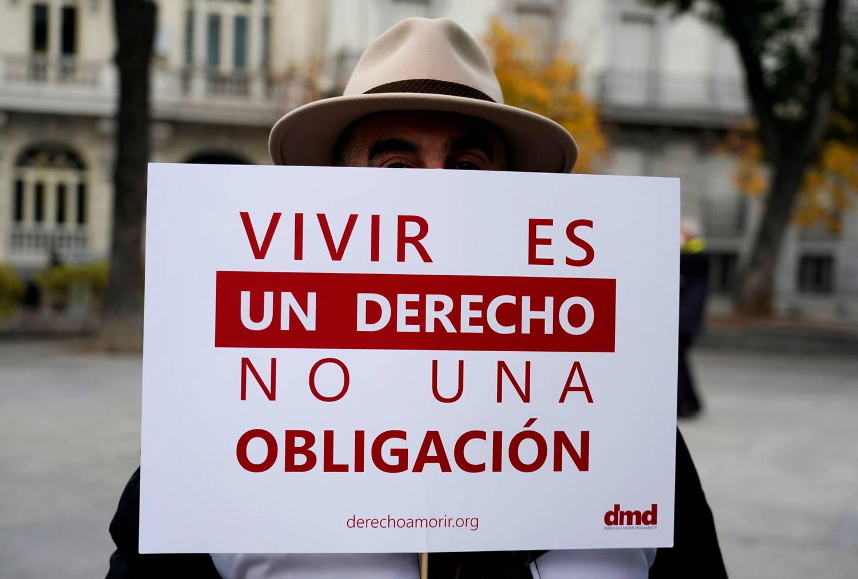 Congresso da Espanha aprova lei que despenaliza eutanásia - Notícias - R7  Internacional