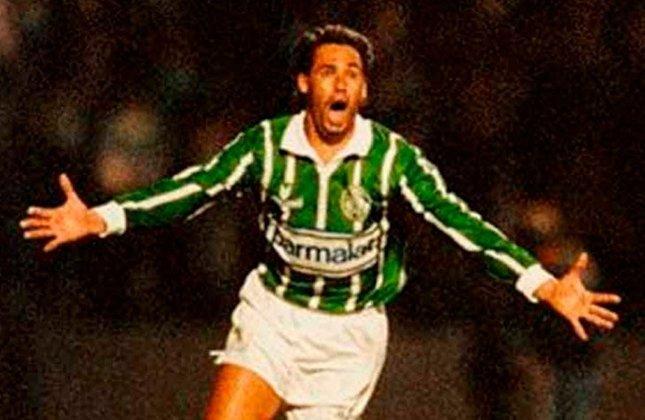 Evair (1986–2002) - 92 gols em 221 jogos (Média: 0.41).
