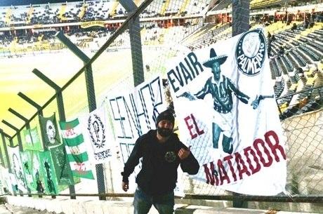 'El Matador' Evair, no Centenário, em Montevidéu