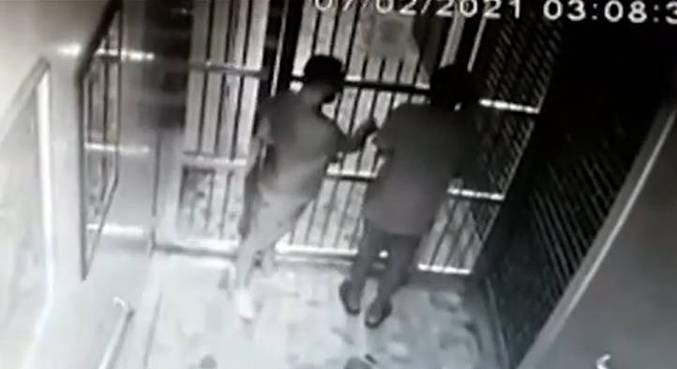 De acordo com a polícia, Evandro não parecia estar sob posse do suspeito