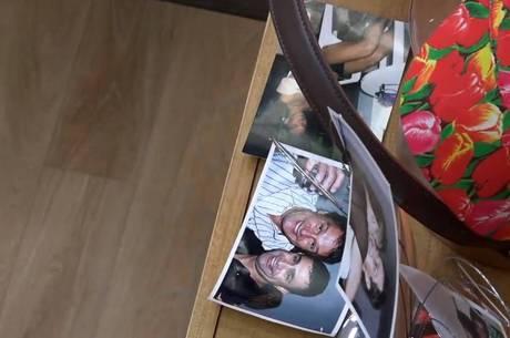 Evandro Santo deixa foto ao lado da cama