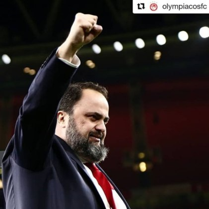Evangelos Marinakis, presidente do Olympiacos e dono do Nottingham Forest, teve coronavírus.