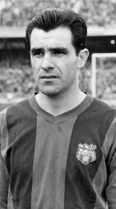 Evaristo Macedo: por conta da sua ida ao Barcelona na década de 50, Evaristo não foi convocado para as Copas de 1958 e 1962, pois não se tinha o hábito naquela época de chamar jogadores que atuavam fora do Brasil para defender a camisa amarelinha em Copas do mundo.