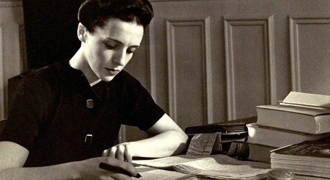 A segunda filha dos Curie era uma renomada jornalista e humanista