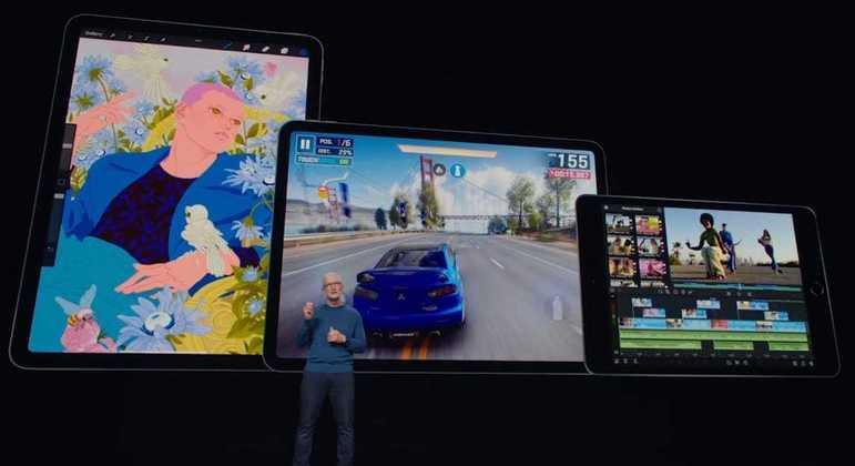 CEO da Apple, Tim Cook, durante o evento desta terça-feira (14)