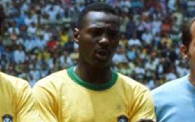 EVERALDO - Designado como titular às vésperas do Mundial, lateral-esquerdo da Seleção Brasileira na Copa de 70, faleceu em um acidente de carro em outubro de 1974.