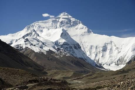 Alpinistas reclamaram das horas de espera para escalar