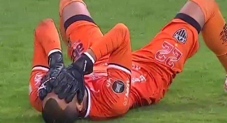 Everson chorando de emoção, depois da classificação do Atlético Mineiro