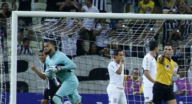 Everson marcou gol de falta e foi importante na vitória do Ceará