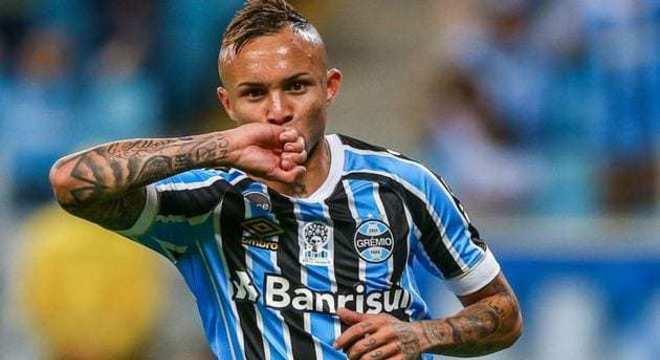 Everton Cebolinha. Grêmio quer vender. Para não repetir o desperdício com Luan