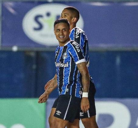 Everton - Clube: Grêmio - Posição: atacante - Idade: 31 anos - Jogos no Brasileirão 2021: 0 jogos - Situação no clube: reserva com poucas oportunidades.