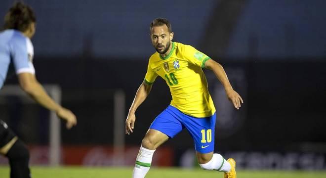 Everton Ribeiro foi o melhor do Brasil. Jogador importantíssimo no triunfo