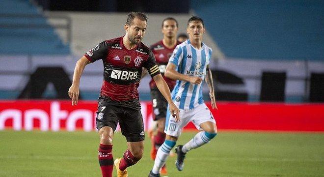 Everton Ribeiro foi o jogador do Flamengo mais consciente. Faltou companhia à altura