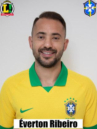 Everton Ribeiro - 6,0: Entrou no segundo tempo no lugar de Coutinho. Conseguiu ajudar na organização do meio-campo brasileiro, mas perdeu uma boa oportunidade ao chutar desequilibrado uma bola dentro da área. Porém, quase anotou um gol, com a bola batendo na trave. No rebote, Neymar acabou empurrando para o fundo da rede.