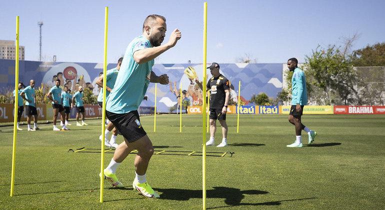 Seleção brasileira trabalhou no CT do Corinthians para a partida contra o Chile