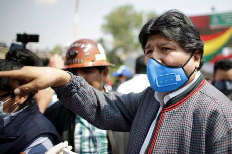 Evo Morales volta à Bolívia após exílio