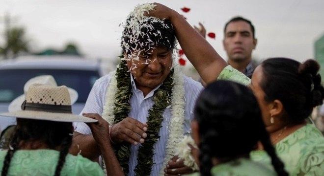 """Ex-presidente Evo Morales será processado por """"incentivar"""" protestos na Bolívia"""