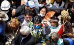 """Evo Morales foi recebido por diversos apoiadores e agradeceu no Twitter.""""Estou muito grato ao povo boliviano por me receber com tanto carinho"""", escreveu na rede social."""