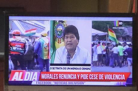 Morales renunciou neste domingo (10)