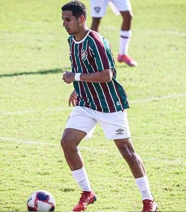 Ewerthon - 20 anos - meio-campista - contrato com o Fluminense até 31/12/2022