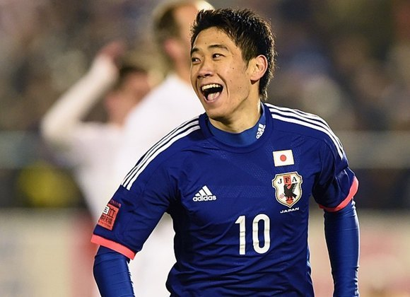 Ex-camisa 10 da seleção japonesa, Kagawa tem passagens por clubes como Cerezo Osaka (JAP), Borussia Dortmund (ALE), Manchester United (ING), Besiktas (TUR) e Zaragoza (ESP). O atleta tem 31 anos e foi companheiro de Honda na equipe nacional. Seu valor de mercado, segundo o site Transfermarkt, é de 2 milhões de euros (R$ 13,2 milhões).