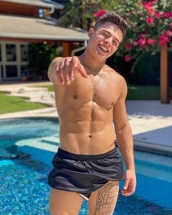 Ex-namorado da atriz Larissa Manola, o ator Thomaz Costa, conhecido pela participação em 'Carrossel', participará do reality show.