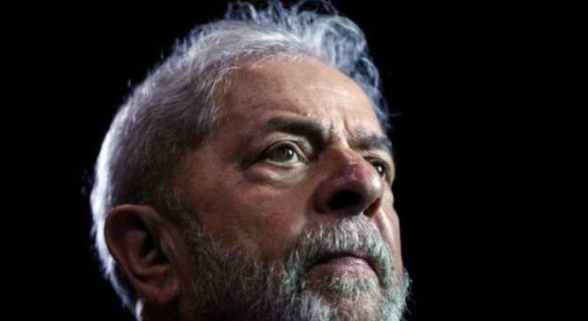 Lula entrou com liminar para proibir Hang de custear e exibir mensagens