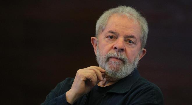 Ex-presidente foi condenado a 12 anos e 11  meses no caso do sítio em Atibaia