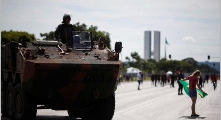 Desfile contará com comboio de 150 veículos militares