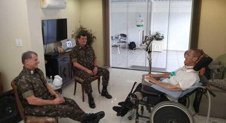 Saídas de ministro da Defesa e  comandantes das Forças Armadas acendeu alerta no Congresso