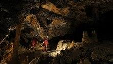 Termina experimento que confinou 15 pessoas por 40 dias em caverna