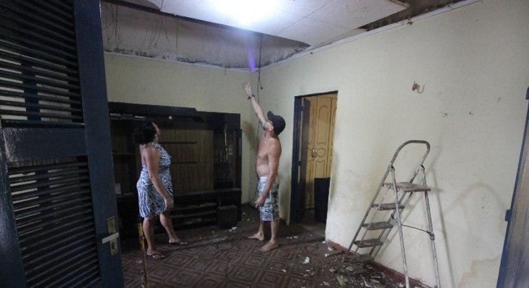 Moradores de casas próximas à fábrica tiveram prejuízos com a explosão