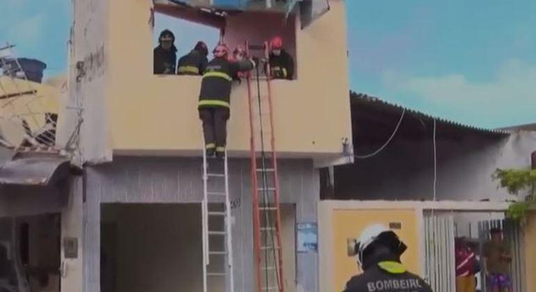 Botijão de gás explode, destrói casas e fere sete pessoas em Natal