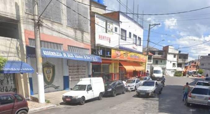 Encanamento de gás explodiu em uma calçada na avenida Presidencial, no Jardim Cláudia