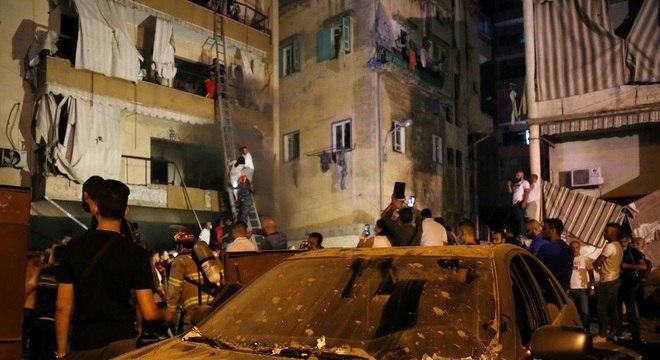 Explosão deixou diversas pessoas presas em apartamentos