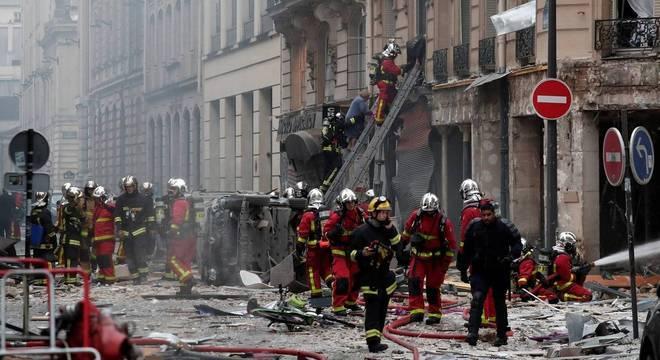 Vazamento de gás em padaria deixa pelo menos quatro mortos em Paris