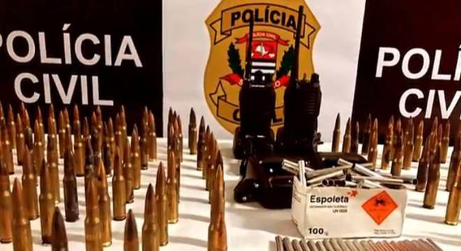 Armamento apreendido após assalto a banco em Criciúma (SC)