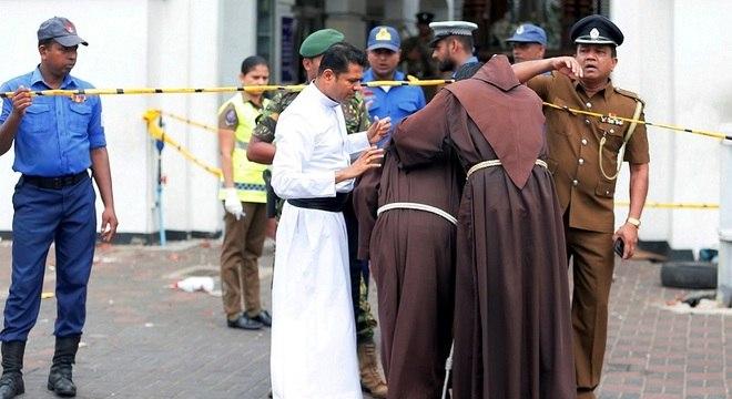 Explosões no Sri Lanka deixaram 207 mortos e 450 feridos